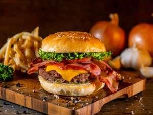 【ランチ・ディナー】テキサスサルサベーコンチーズバーガー