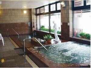 【男性専用大浴場・若松の湯】利用時間は15時~24時・6時半~9時半まで。