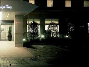 鹿児島の繁華街最大客室数のホテル。シンプルモダンなお部屋をご提供致します。