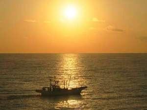 築地市場で高評価の常磐ものブランドのシラス。眼下の水木浜は好漁場で、好天の朝にシラス漁が見られます♪