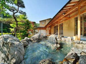 大浴場 喜久の湯 庭園露天風呂 川のせせらぎ、虫や鳥の鳴き声が辺りから聞こえます。