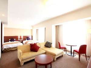 プレミアリラクゼーション『WESTERN』 リビングと寝室が一体になったゆったりとした空間