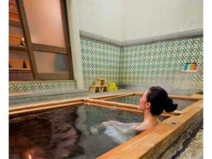 足元湧出ラジウム温泉「楽泉の湯」(1名から貸切OK)