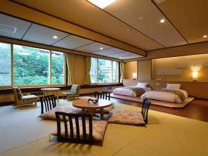 ◆モダン和洋室/50㎡の広々とした空間、温泉街の風景の中、思い思いのひと時を