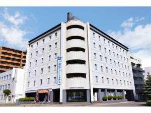 ホテルから新千歳空港まで送迎あり。JR千歳駅から徒歩3分圏内!