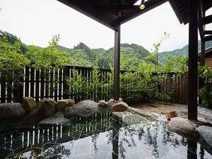男性大浴場(露天風呂:岩|昼間