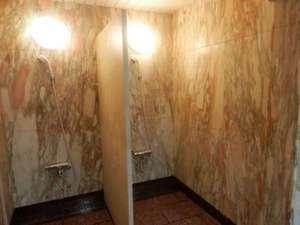 女性大浴場にあるシャワー。