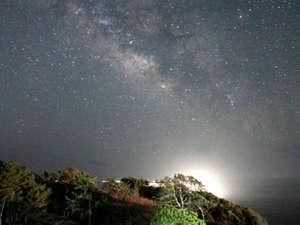 夜は降るような星空をご覧いただけます♪