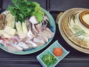 【魚介鍋一例】そのときの旬の魚介をお鍋でお召し上がりいただけます♪