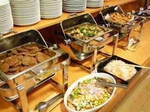 バイキング朝食無料:2F花茶屋レストランにて6:30~9:00営業