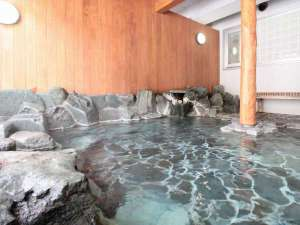 湯桧曽川を望む源泉掛け流しの露天風呂