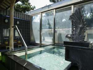 美人の湯うずしお温泉の露天風呂