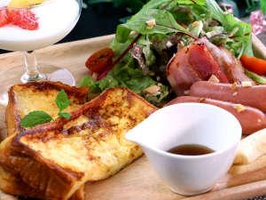 【朝食】フレンチトーストは手作り♪お客様からも大好評。