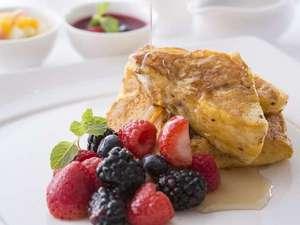 【朝食】朝食ブッフェ人気No.1のフレンチトーストは是非味わって!