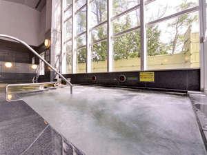 *大浴場/美肌効果のあるナトリウム-炭酸水素塩泉。