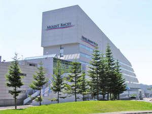 *札幌市内・新千歳空港から、ともに車で約60分でアクセス!!