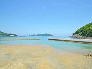 *目の前は遠浅の海の【衣奈海岸】。海水浴にも釣りにもおススメ。宿より徒歩1分。
