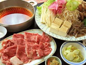 自家製野菜と柔らかなお肉との相性抜群の但馬牛のすき焼き!