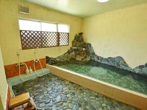 旅の疲れを癒す浴室。温泉ではありませんが、ゆったりが自慢です。