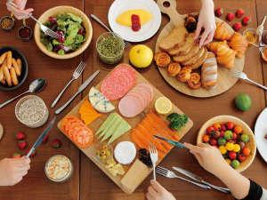【朝食ブッフェ】イメージ 1F ハスカップ ザ・ガーデンにて70種類以上のメニューをご用意しております。