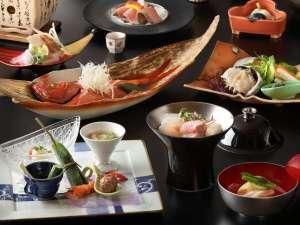 ご夕食の一例。秘伝のタレで煮込んだ金目鯛の姿煮は2~3名で1匹ご用意