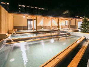 2016年9月16日渓流露天風呂『棚湯』誕生!解放感あふれる露天風呂。夜は星を見ながらゆったりと。