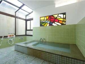 2012年6月タイルの張り替え済み全8部屋のため大きくありませんが温泉をお楽しみくださいませ。