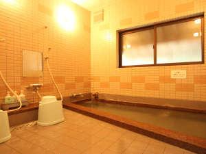 当館のお風呂。のんびりと浸かって長旅の疲れを癒してください♪