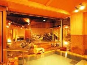 婦人大浴場 内湯から見える露天風呂イメージ