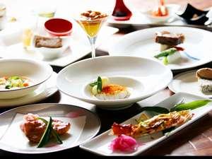 旬の食材を使ったコースディナー、一品づつ提供します。
