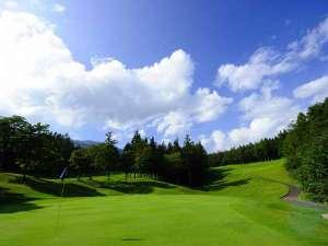 【雫石ゴルフ場】大自然の中でゴルフを楽しもう!