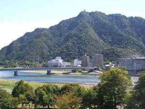 ~【清流長良川と金華山】四季折々に変わる景色をお楽しみ下さい~