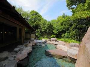 大浴場-庭園露天風呂(昼)