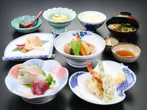 夕食■彩り豊かな割烹料理