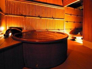客室露天風呂一例 【朝陽】源泉を引き込んだ陶器製の露天風呂はいかがでしょう?