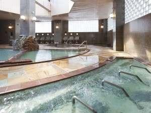 昼:日光がさしこむ大浴場。PM13:00~AM02:00迄【女性大浴場】