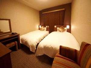 ◆ツインルーム(125cm幅ベッド×2台、18平米)