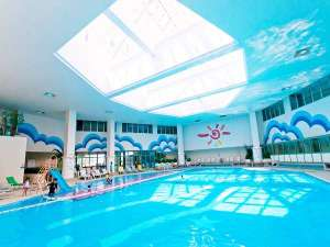 室内プールは温水で1年中利用可