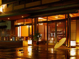 月岡温泉 源泉100% 24時間入浴可能 したしみの宿 東栄館
