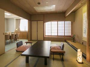 【特別室 高野槇の露天風呂付】和室・リビング・ベッドルーム付