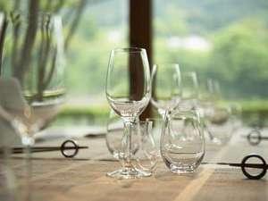 レストラン【レヴォ】フレンチの枠にとらわれない新しい前衛的地方料理のレストラン