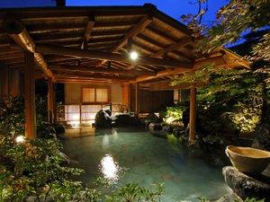 庭園露天風呂「たまゆらの湯」夜の雰囲気