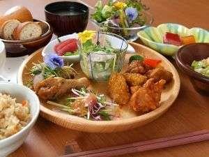 ●カラダに優しい朝ごはん●シェフが栄養バランスやカロリーを考えたメニュー作りで旅の食事をサポート!