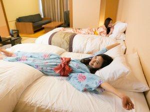 うーん!大きく手足を伸ばしたくなるベッドです♪
