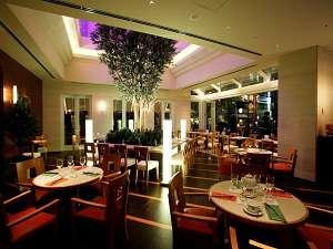 【カフェ】ホテル1階のカフェは朝~夜まで営業しております
