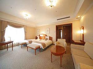 【スイート/約48平米】120cm幅ベッドを2台配置した広々の48平米。エスプレッソマシン(無料)付。