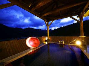 天然温泉露天風呂(写真はイメージです。)
