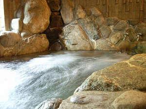 【岩風呂】温泉ではありませんが、ジェット岩風呂で旅の疲れを吹っ飛ばそう!
