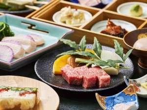 【会席料理一例】一品一品を丁寧に作り上げる料理。季節や地元にこだわった食材が中心。