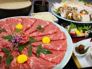 上質な近江牛の旨味を贅沢に楽しめる、近江牛すき焼きをご堪能ください。